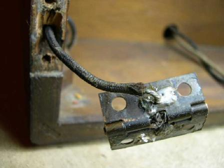 Hinges are part of the antenna circuit